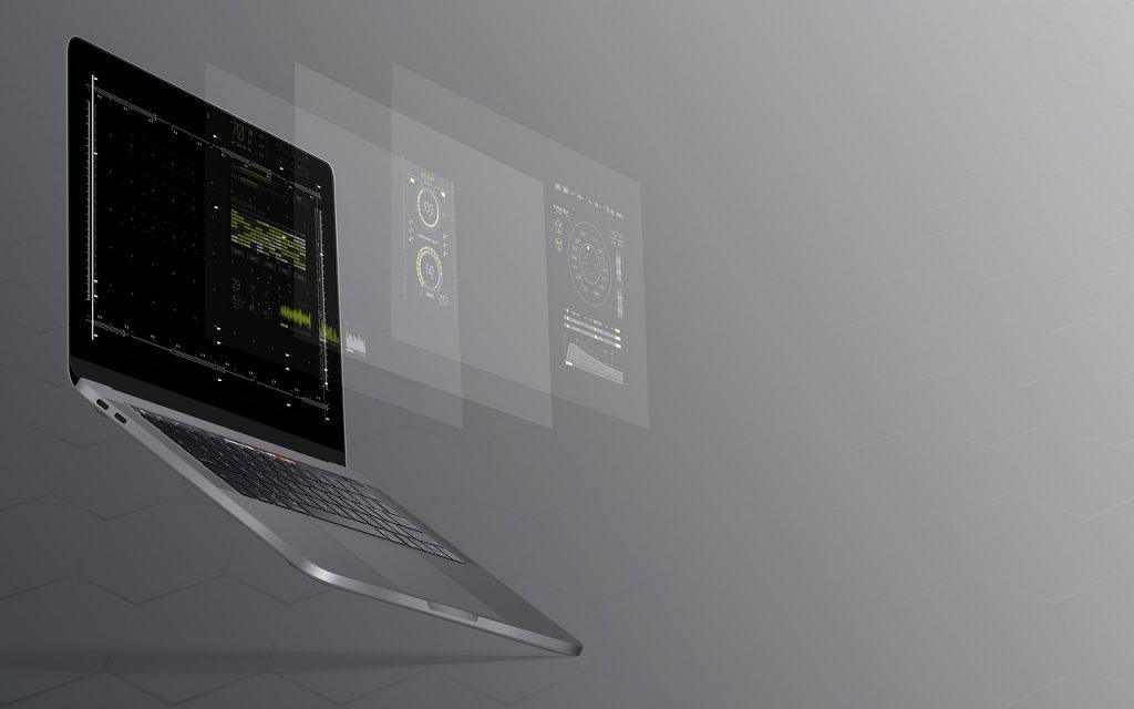 מחשב באוויר עם נתונים